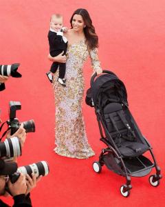 Єва Лонгорія вийшла на червону доріжку разом з маленьким сином (Фото)