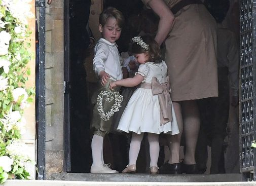 15282359-prince-george-princess-charlotte-pippa-wedding.jpg (38.21 Kb)