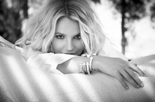 2153_britney-spears-press-billboard-650.jpg (27.13 Kb)