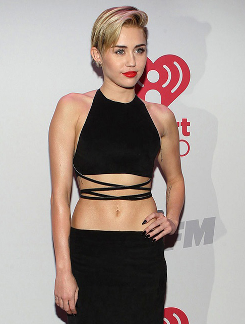 miley-cyrus-bangerz-2_blog.jpg (171.9 Kb)