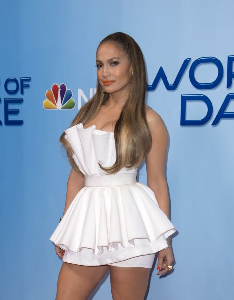 4323_jennifer_lopez_attends_a_photo4.jpg (34.38 Kb)