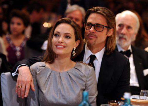 Досі весь світ стежить за розлученням однієї з найкрасивіших пар Голлівуду. Ось уже два роки Бред Пітт і Анджеліна Джолі ніяк не можуть оформити докум