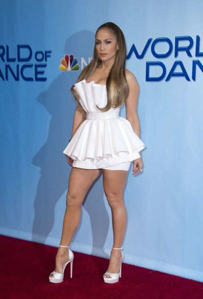 6242_jennifer_lopez_attends_a_photo2.jpg (32.35 Kb)