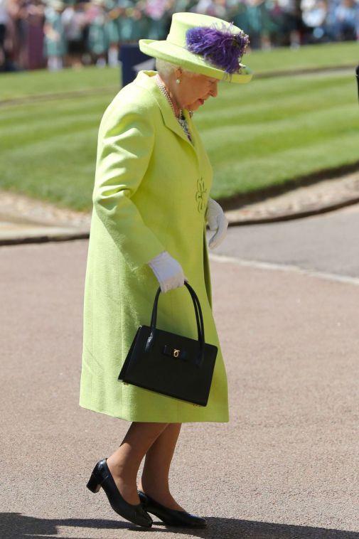 queen-royal-wedding-1526733896.jpg (55.33 Kb)