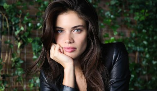 sara-sampaio-pink-victorias-secret1.jpg (24.69 Kb)
